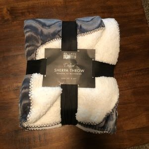 Other - Silver One International Gray Deluxe Sherpa Throw